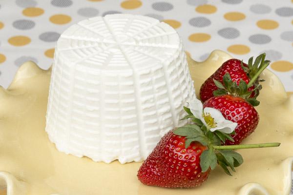 Ricotta_Strawberries