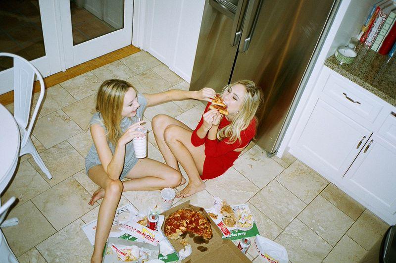 Drunk_Eating_Pizza.jpg