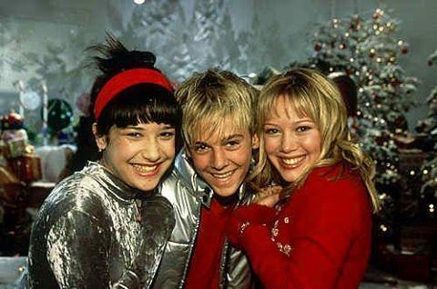 Merry Christmas Lizzie McGuire ❤️💚🎅 #🎄 #🎅 #❤️💚 #tistheseason #aaroncarter #lizziemcguire #FBF #flashbackfriday #disneychannel #collegelivingmag #90s #00s
