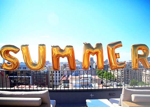 How are you spending the first Friday of Summer? We'll be soaking up the sun all day long. 🎈✨🍹 | 📷 from our Tumblr #collegelivingmag
