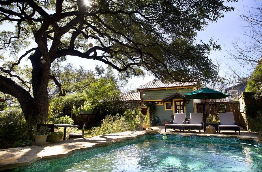Park Lane Austin Pool