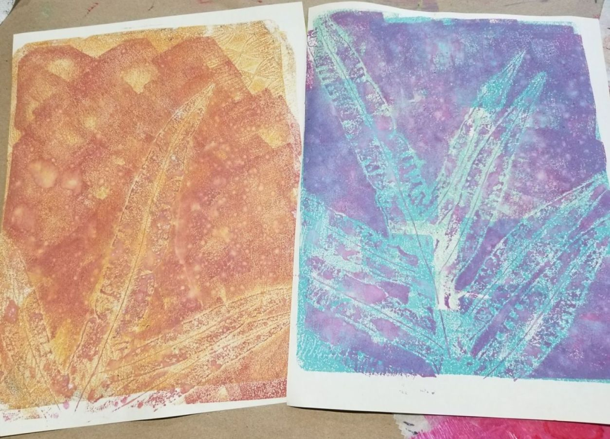 Printing ferns on a gelli plate with Distress Oxide Inks