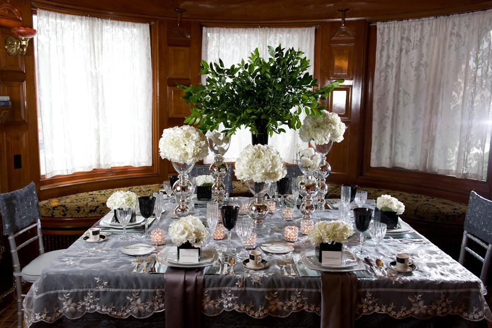 Grace Kelly table setting