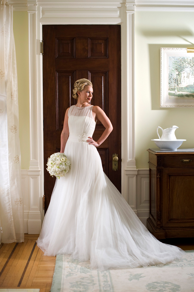 Grace Kelly Wedding Style with bouquet