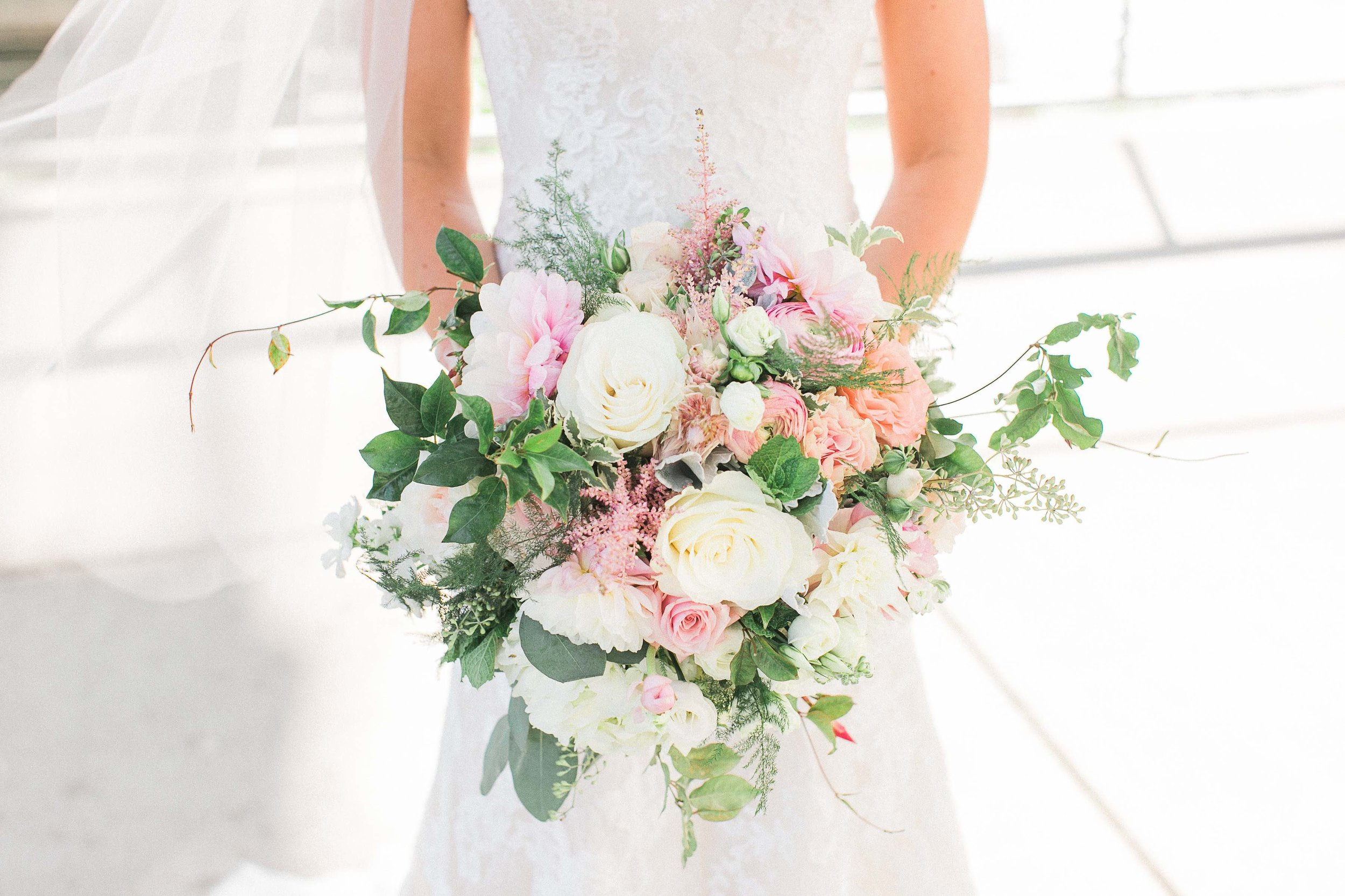 Horizontal bouquet 500 res.jpg