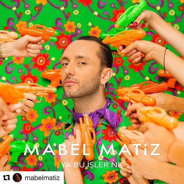 """Uzun  bekleyiş sonlanıyor, ve yeni Mabel Matiz albümünün ilk teklisi """"Ya Bu İşler Ne"""" 11 Ağustos'ta yayınlanıyor. Prodüksiyonu tamamiyle Gevrec bünyesinde tamamlanan parça ile ilgili biz çok heyecanlıyız, umarım siz de bu heyecana ortak olursunuz. ____________________________________New single from the upcoming Mabel Matiz album will be released on August 11th. We are so proud of this release since it is a 100% in house production. We are hoping that you are as psyched as we are!! The record sounds great!! #mabelmatiz #gevrecmusicproduction #Repost @mabelmatiz (@get_repost) ・・・ yeni single """"ya bu işler ne"""" 11 ağustos'ta yayında!  söz & müzik: #mabelmatiz aranjman: @sabisaltiel styling & art direction: @anilcan_  kapak fotoğrafı: @pelinkacar --- my new single """"ya bu işler ne"""" (what is this all about) will be out on august 11th! lyrics & music: #me arrangement: @sabisaltiel styling & art direction: @anilcan_  cover photo: @pelinkacar  #yabuişlerne 🔫🔫🔫"""