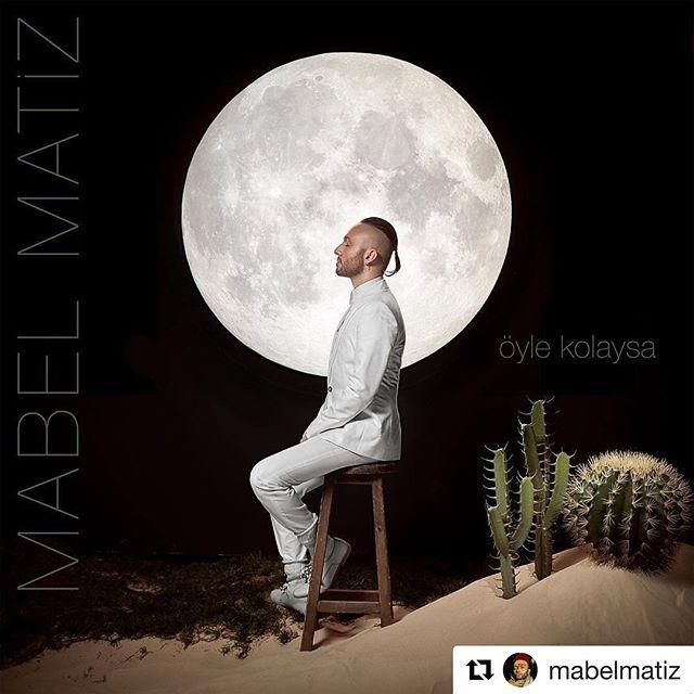 """#Repost @mabelmatiz (@get_repost) ・・・ BOOOOOM!  Yeni albümüm """"Maya""""nın 2. teklisi """"Öyle Kolaysa"""" çoook yakında yayında! Söz Müzik: #mabelmatiz  Aranjman: #mabelmatiz & @sabisaltiel  Styling & Art Direction: @anilcan_  Kapak Fotoğrafı: @hakanadil —— My 2nd single """"Öyle Kolaysa"""", from my new album """"Maya"""", is coming soon! Lyrics & Music: #me Arrangement: #me & @sabisaltiel  Styling & Art Direction: @anilcan_  Cover Photo: @hakanadil —— #ÖyleKolaysa #Maya @enginakinci @zoom.music @samsundemir @ozdenbora @razakimuzik"""