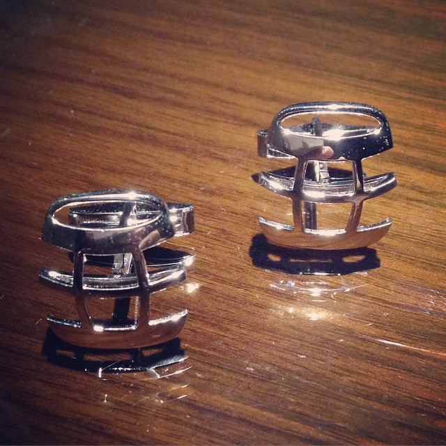 Loving these @hipcask cuff links by @solestrings! What a bro!