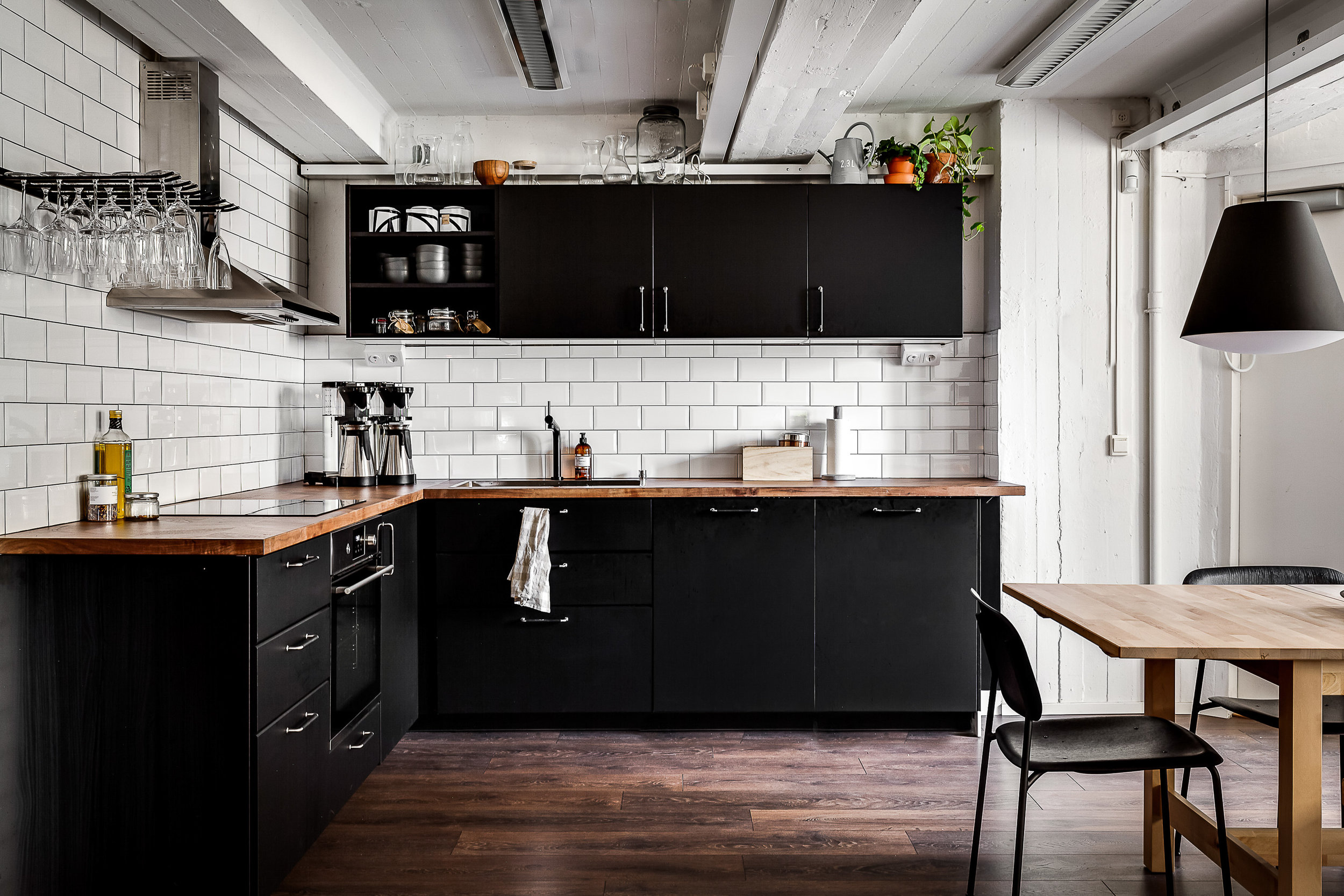 Kök i industristil. Foto Petter Fällström.