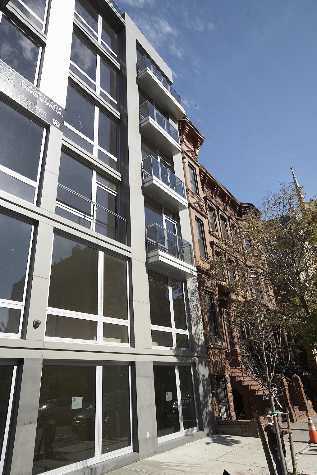 windows 123 façade_IMG_4570.jpg
