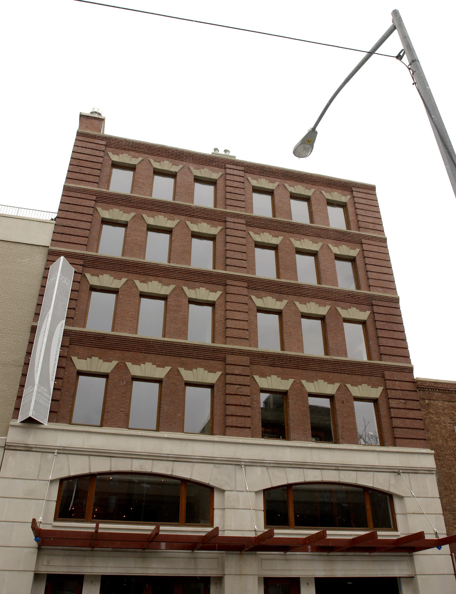 267W124_facade_300.jpg