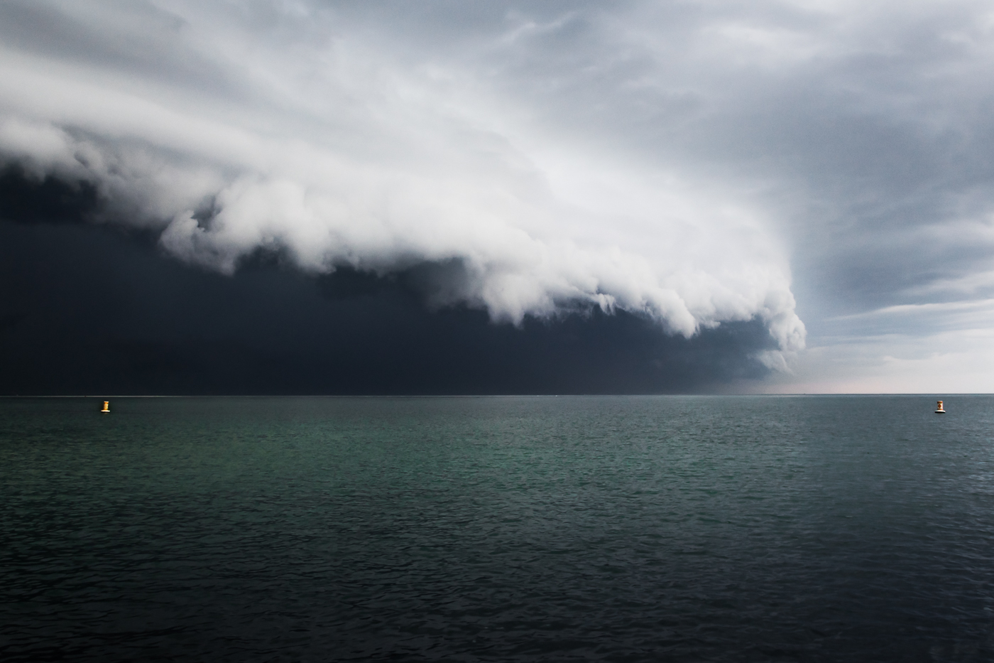 Shelf Cloud, Crane Beach 2017  (c) Deb Lannon