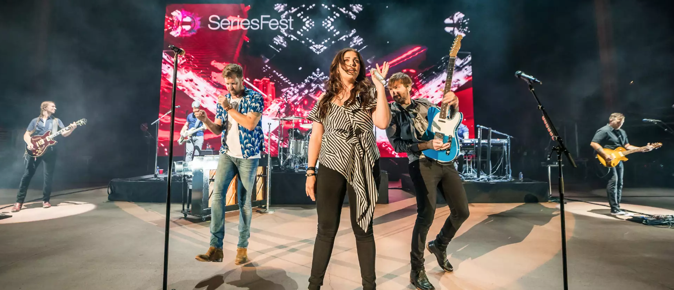 Lady Antebellum Reflect on Band History, Red Rocks Milestone     (Rolling Stone)