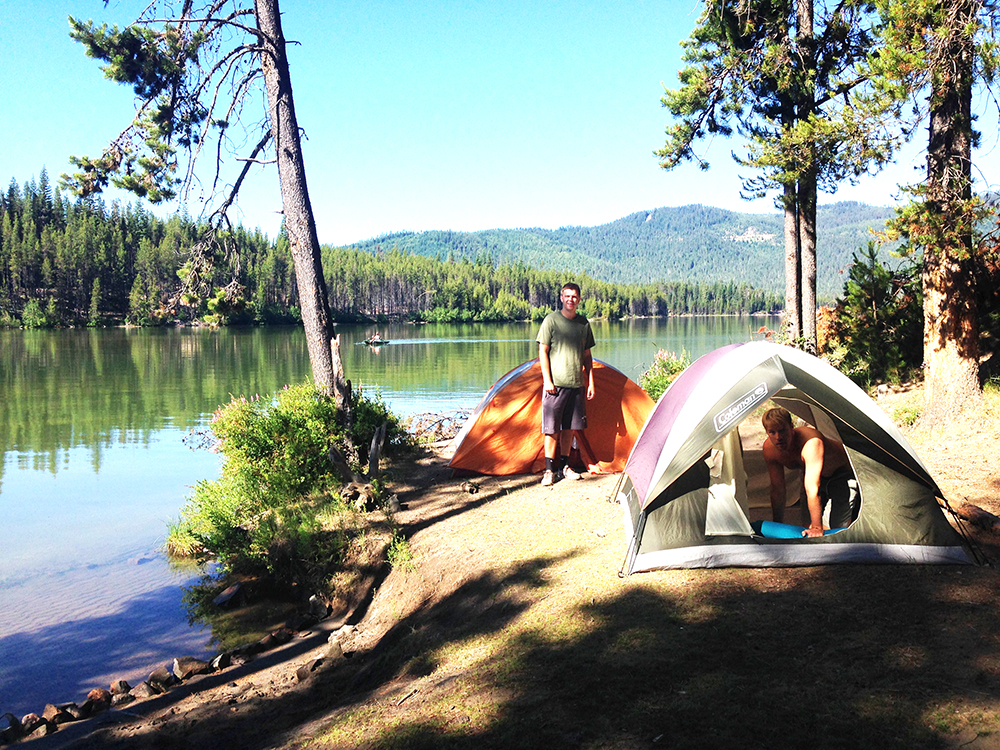 The amazing spot we found to camp! And free!