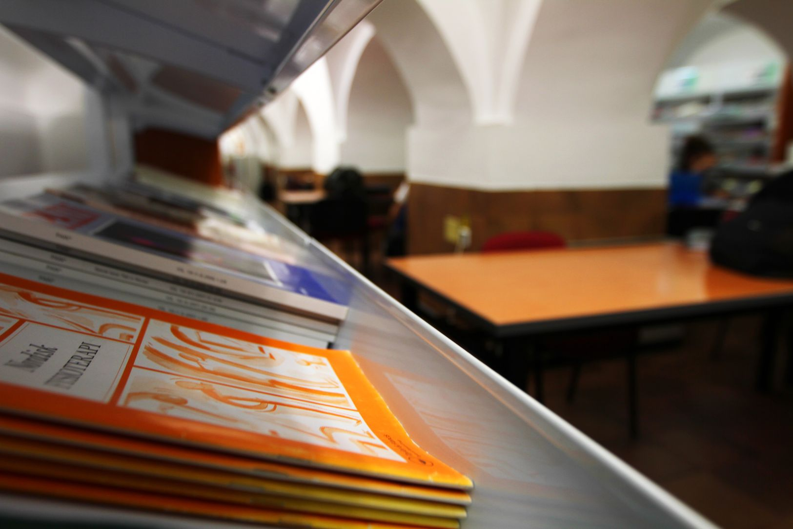 Hemeroteca libros color estudiantes_result.jpg