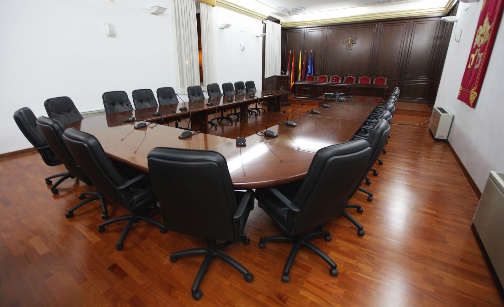 sala capitular panoramica sillas arte_result.jpg