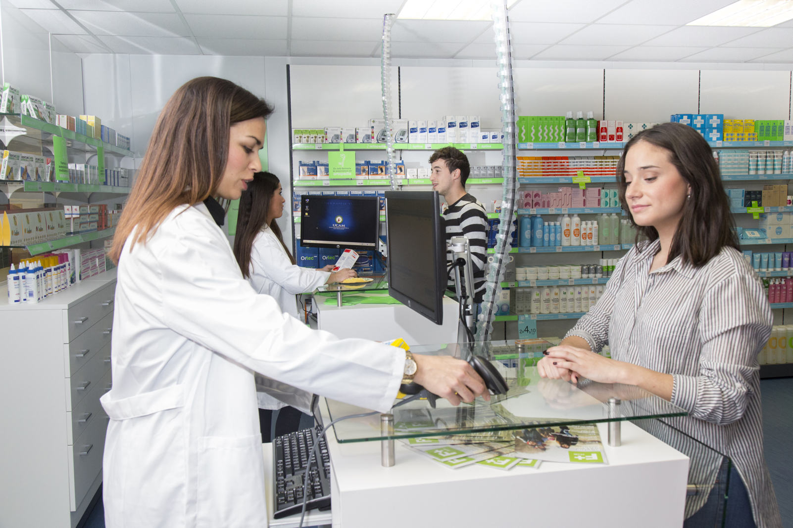 11022016_Fabio_farmacia_09.jpg
