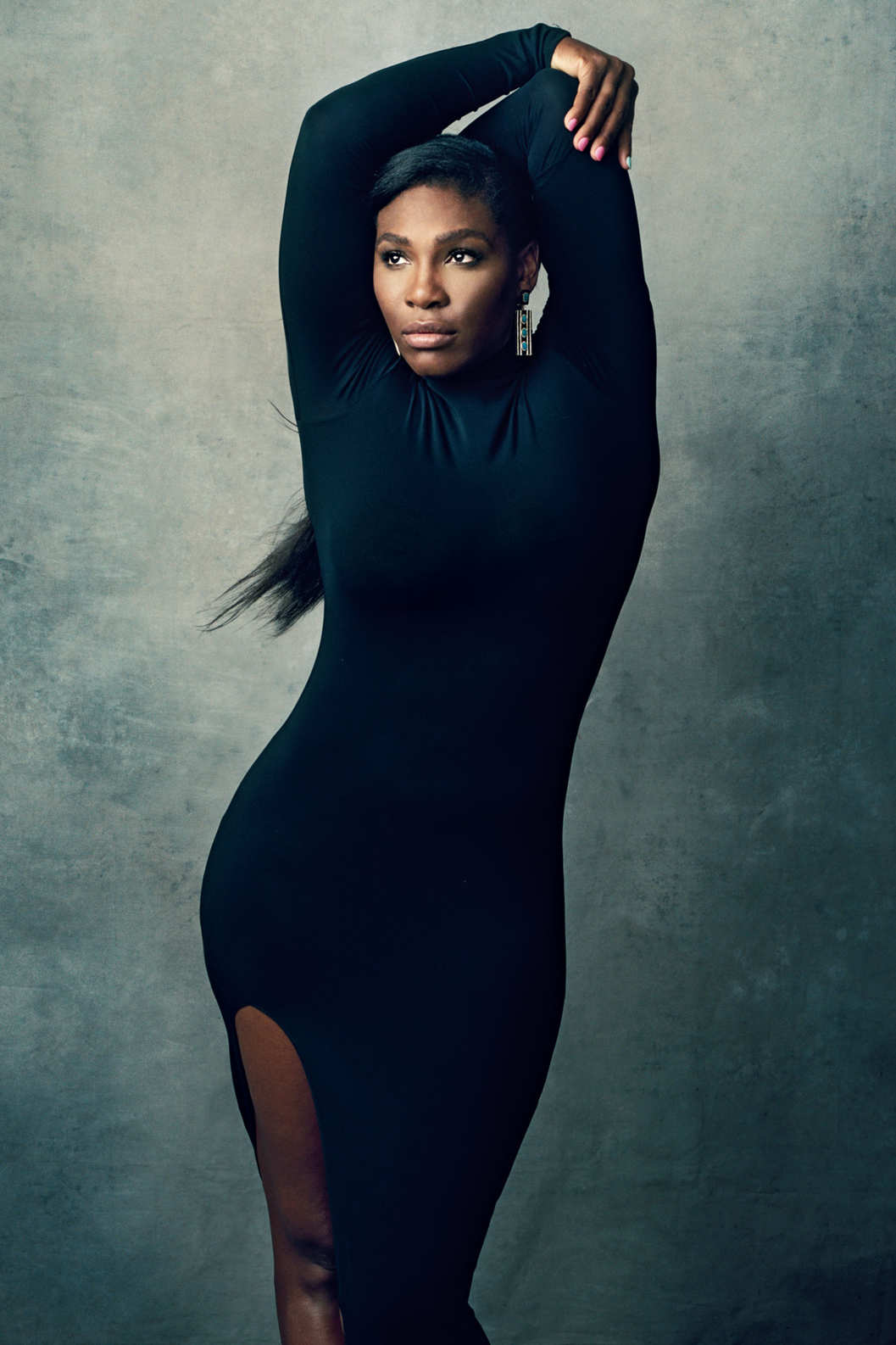 She is back, this time showing off what she keeps underneath her tennis gear. Serena Williams talks to The New Yorkerhttp://nymag.com/thecut/2015/08/serena-williams-still-has-tennis-history-to-make.html ...As you would remember from our previous post about Serena, her body being compared to a gorilla. And this written piece by the New Yorker is the complete opposite. Slay like Slayerna.