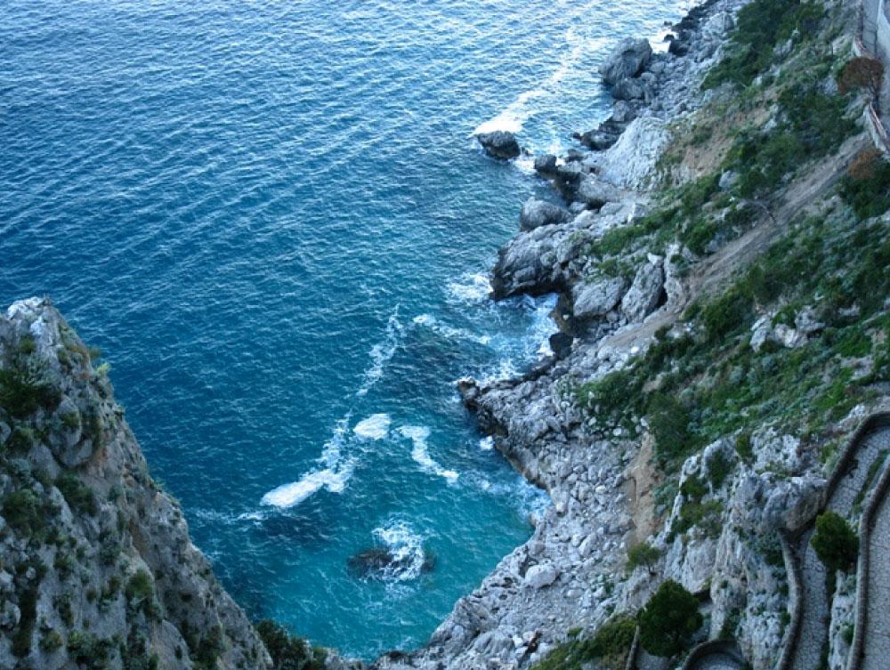Ravelo_Hiking_The_Amalfi_Coast_Weston_Table.jpg