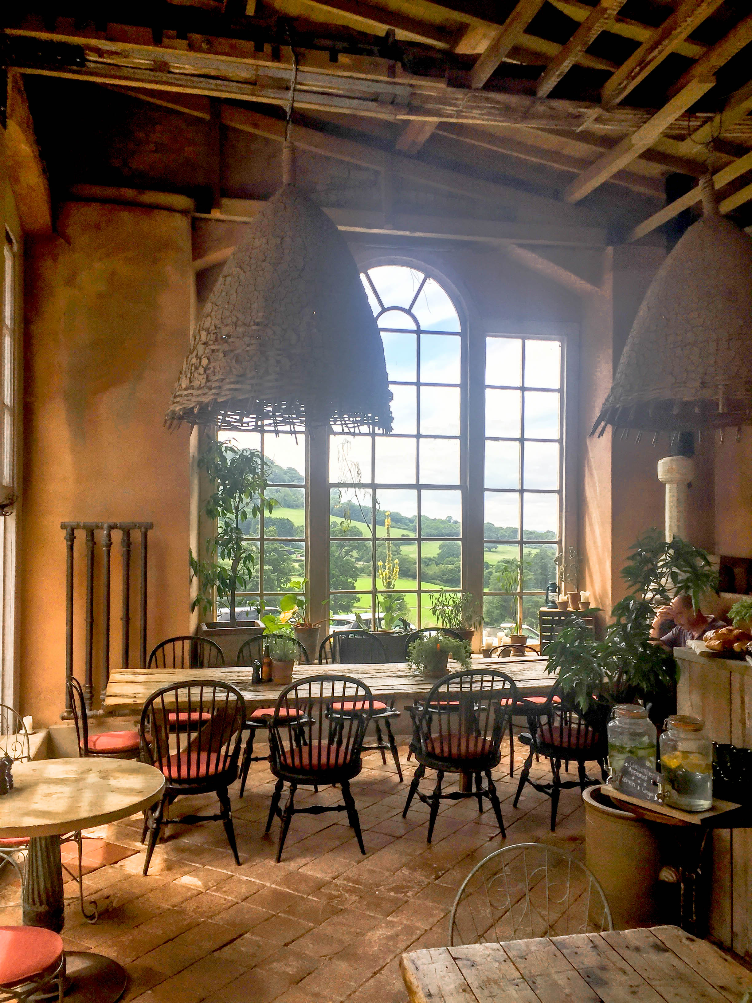 The Folly - A rustic lunch is served indoors and out in this open-kitchen dining area complete with wood-fired pizzas and a menu designed to inspire sharing.