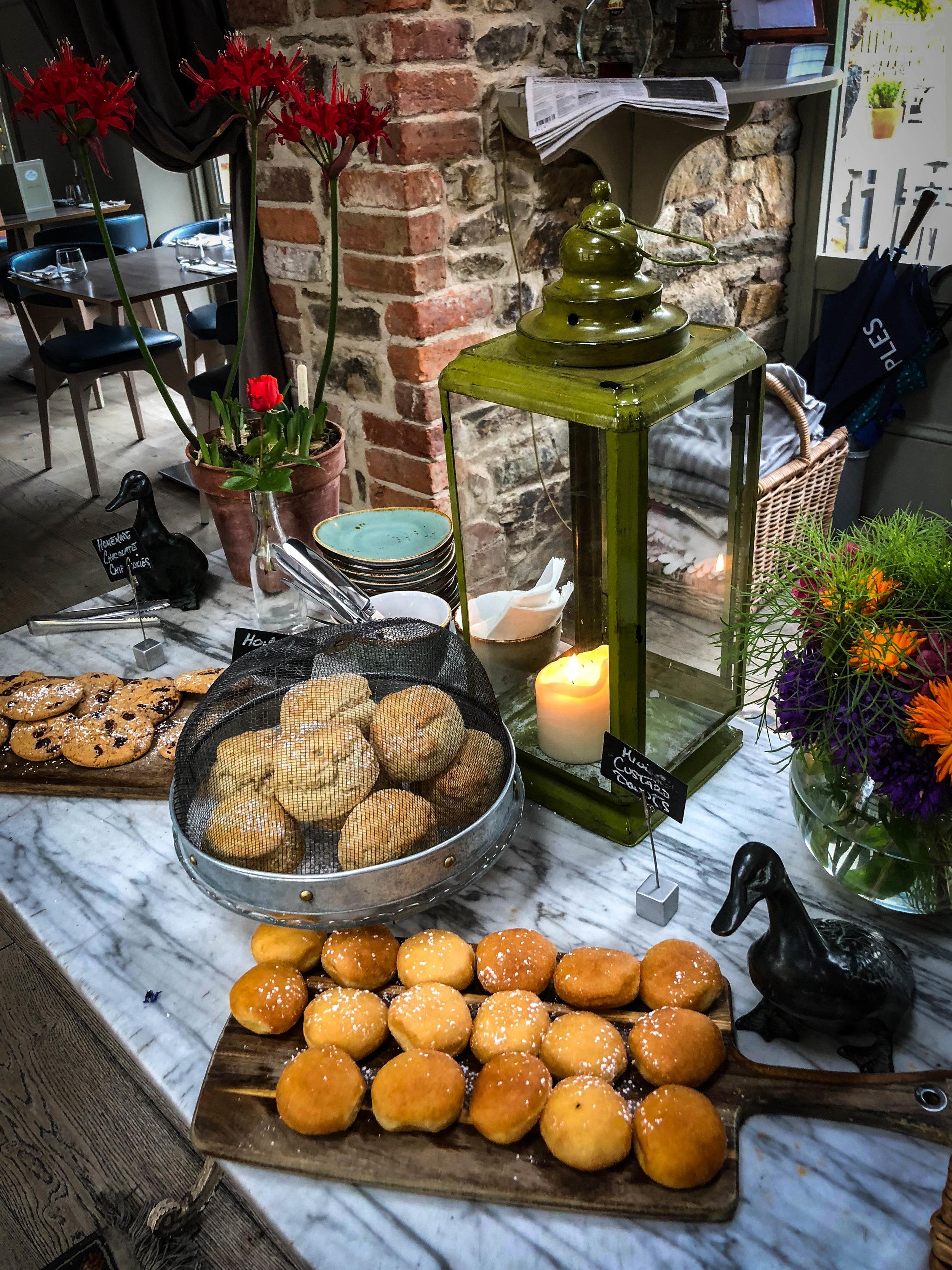 Marfield_House_Duck_Restaurant_Weston_Table.jpg