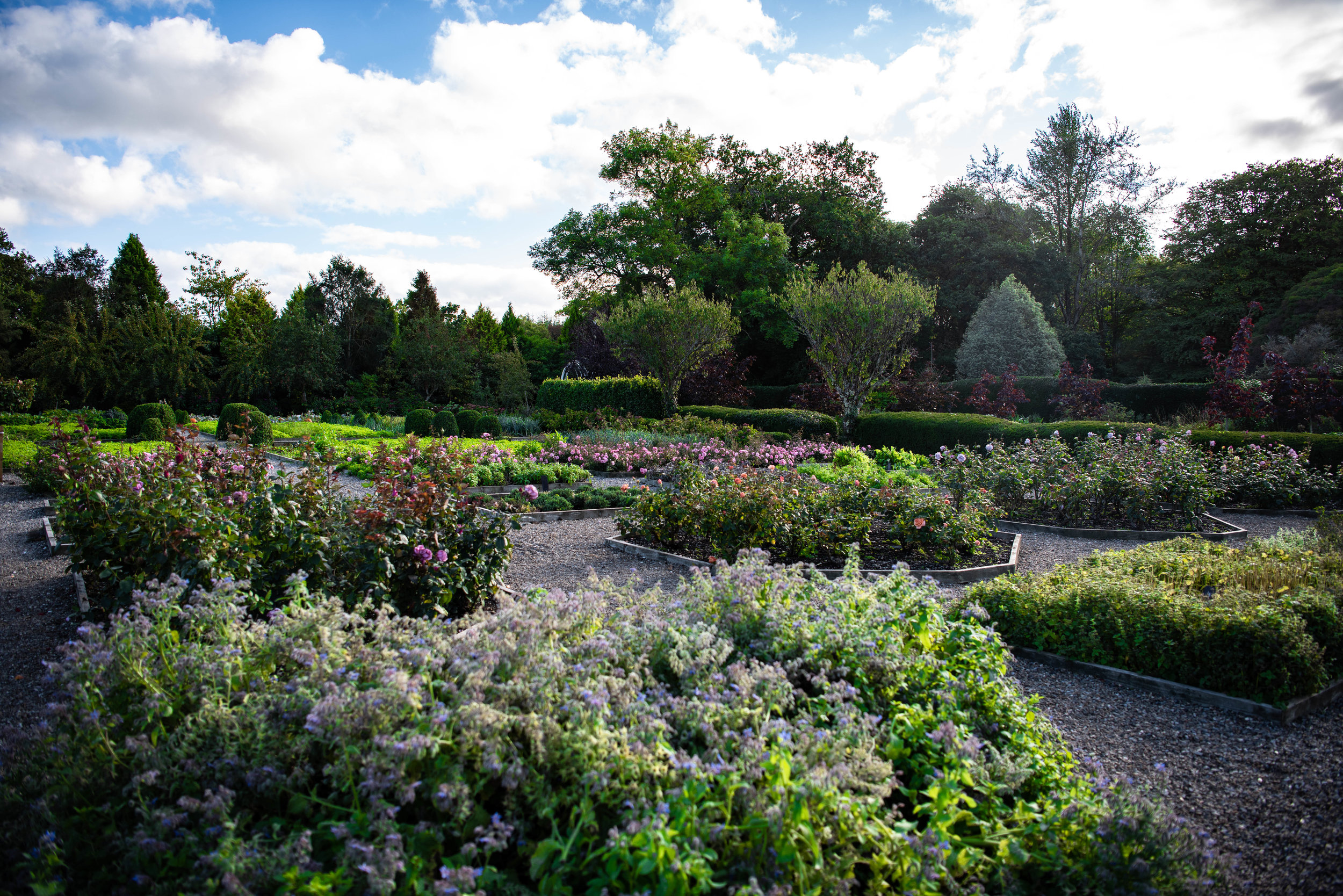 Marfield_House_Gardens_Weston_Table.jpg