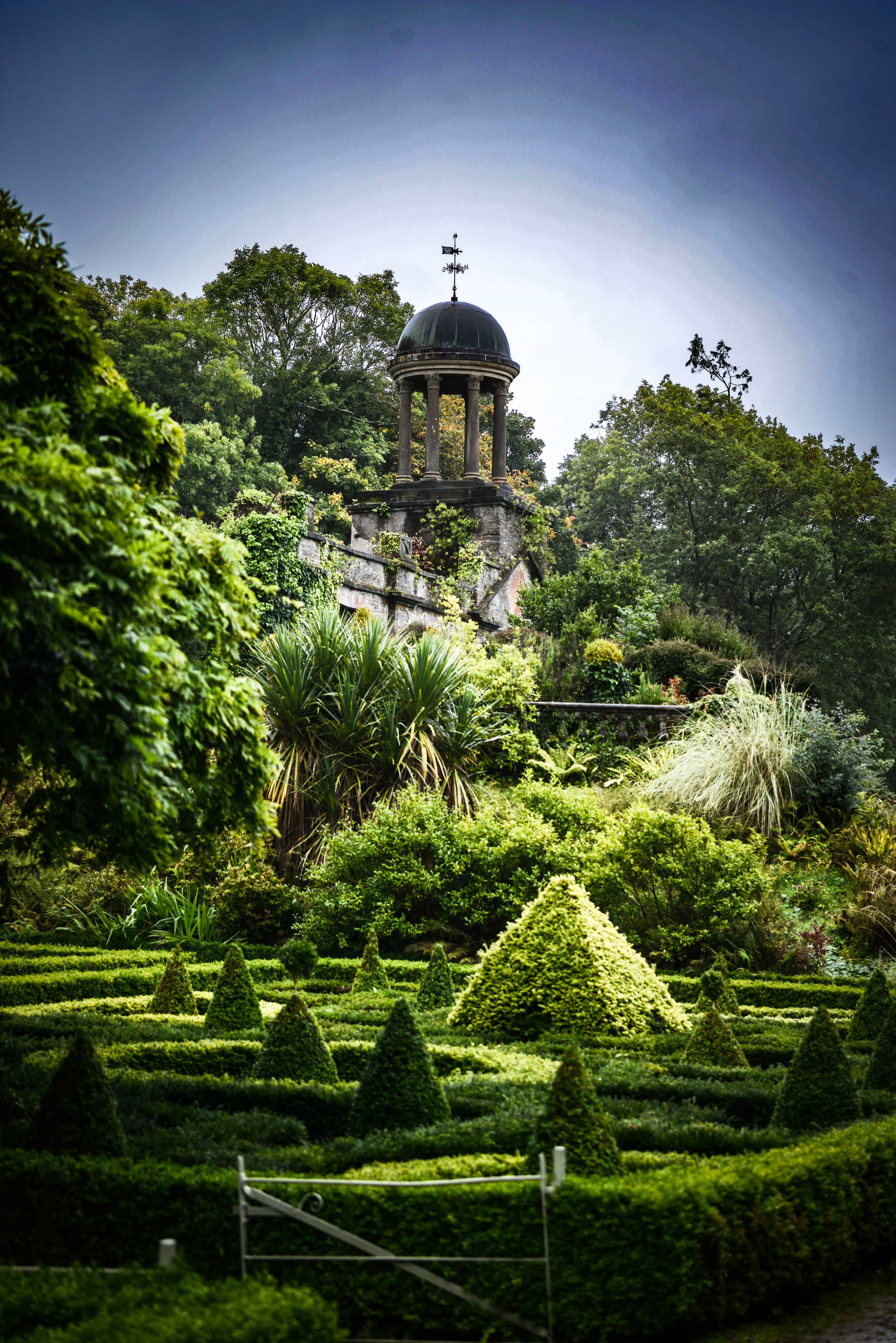 Bantry_House_Gardens_Back_Weston_Table.jpg