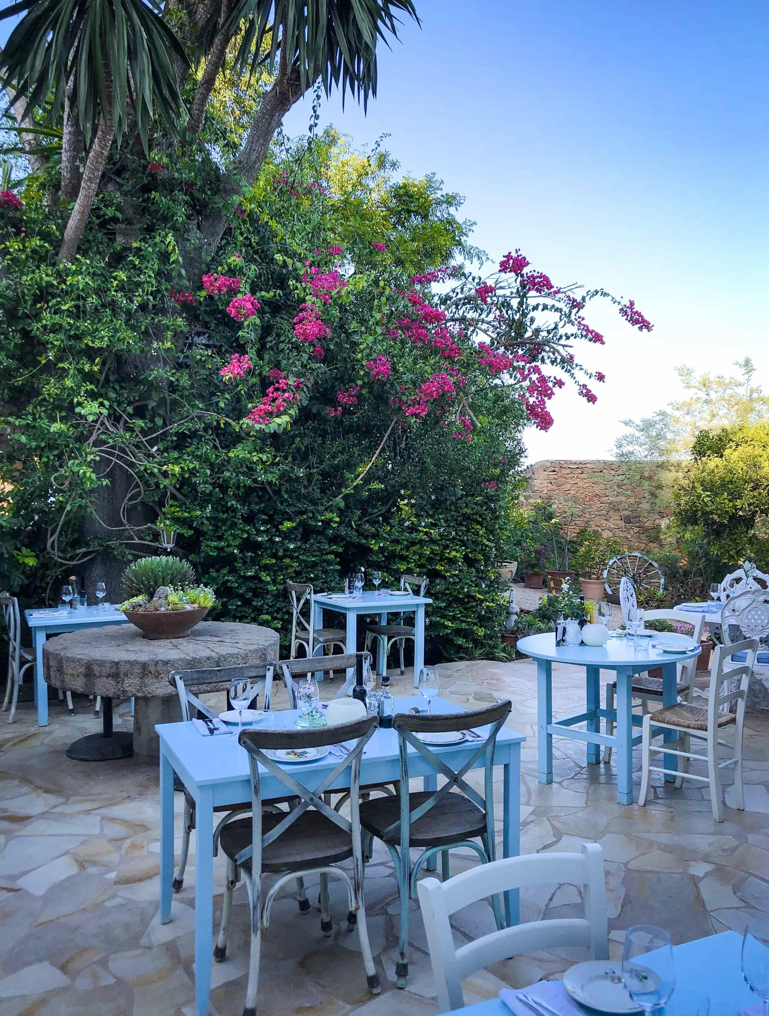 La_Paloma_Eat_&_Drink_Weston_Table.jpg