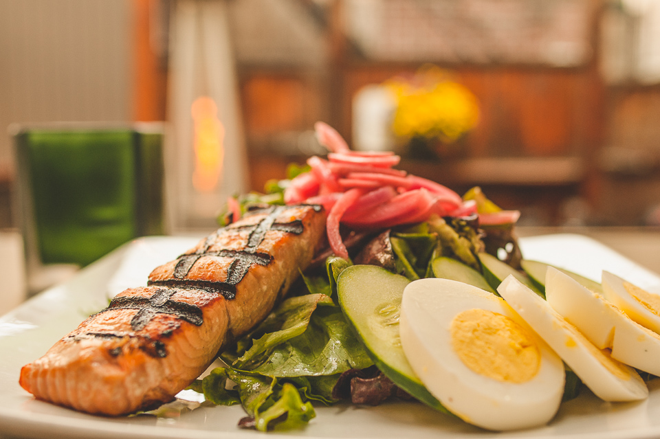 grilled salmon salad-2-2.jpg
