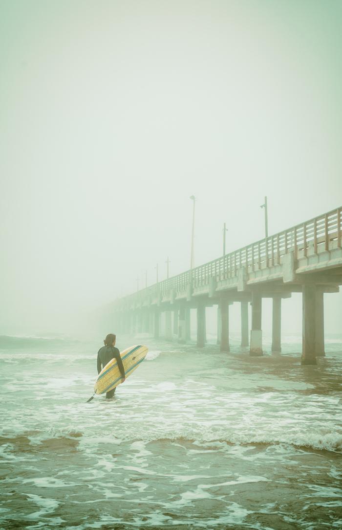 people_beach_surfer01.jpg
