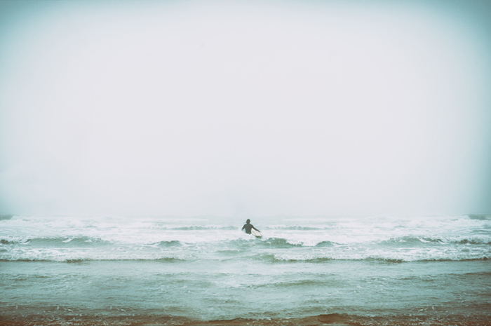 people_beach_surfer02.jpg