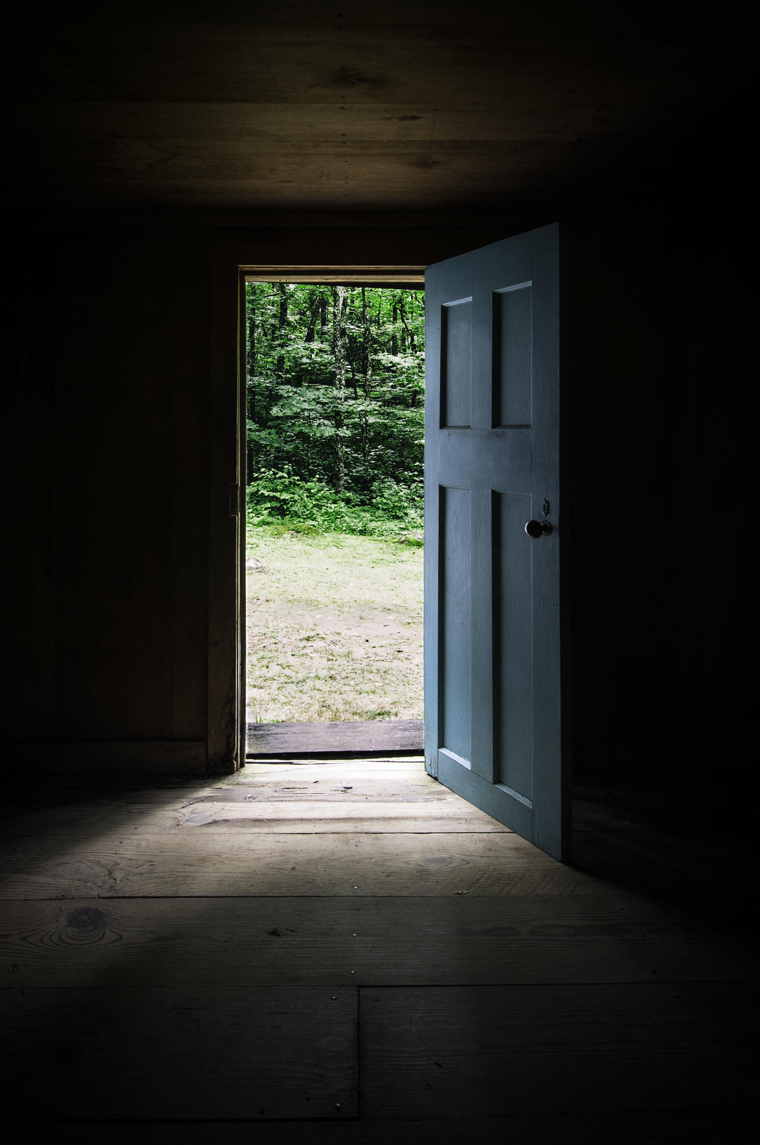 Urban_door_001.jpg