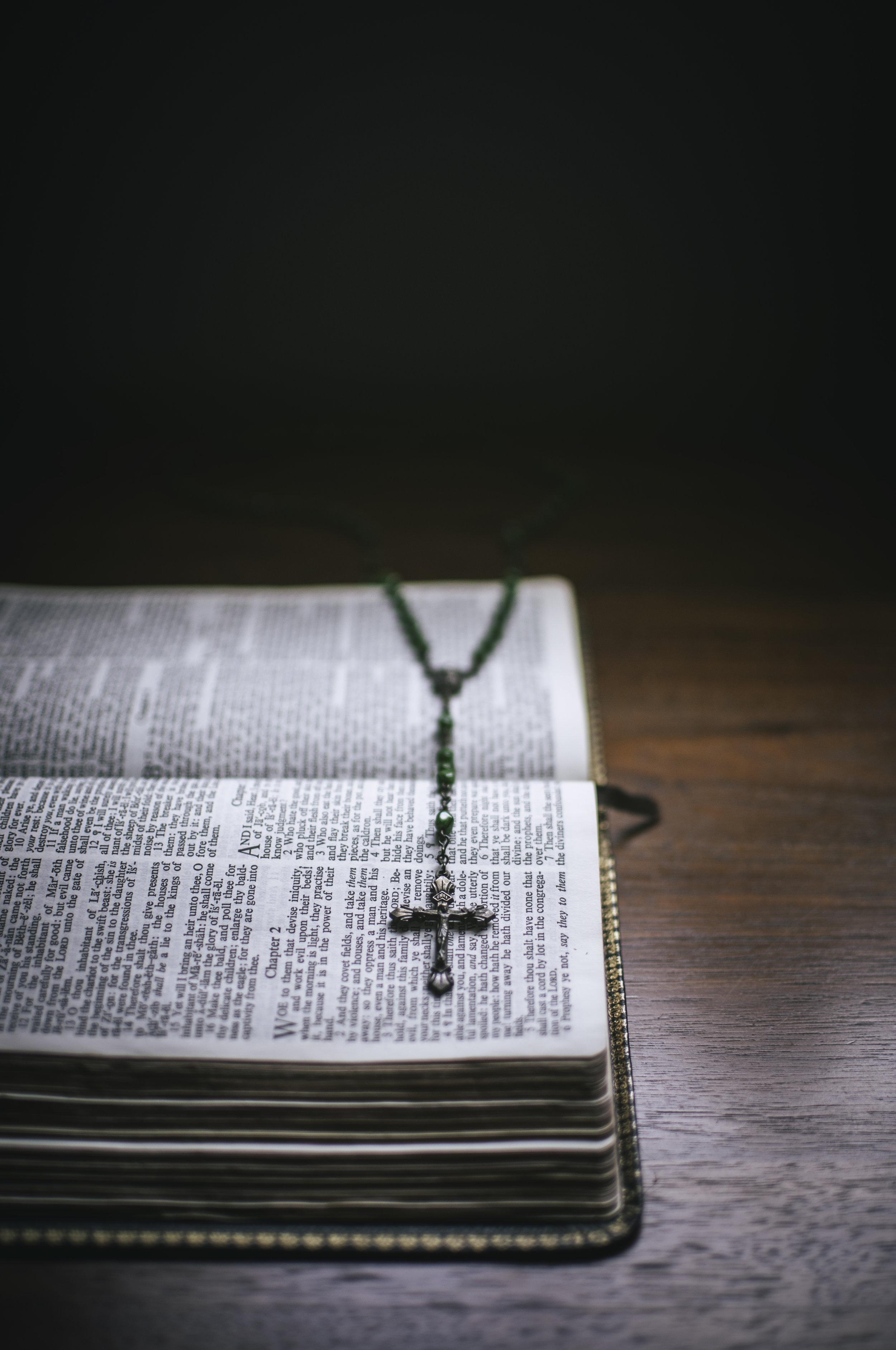 Objects_Bible010.jpg