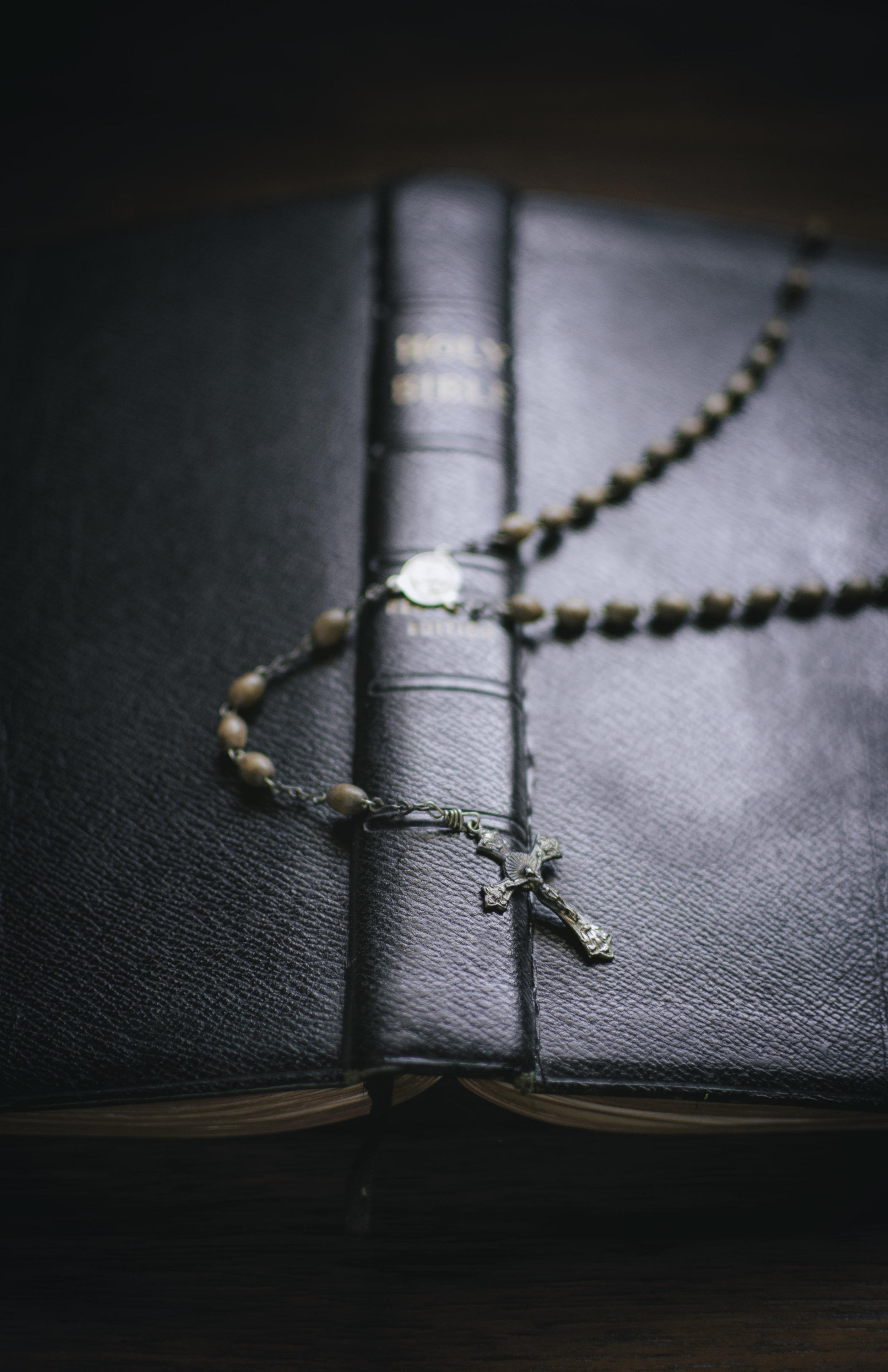 Objects_Bible015.jpg
