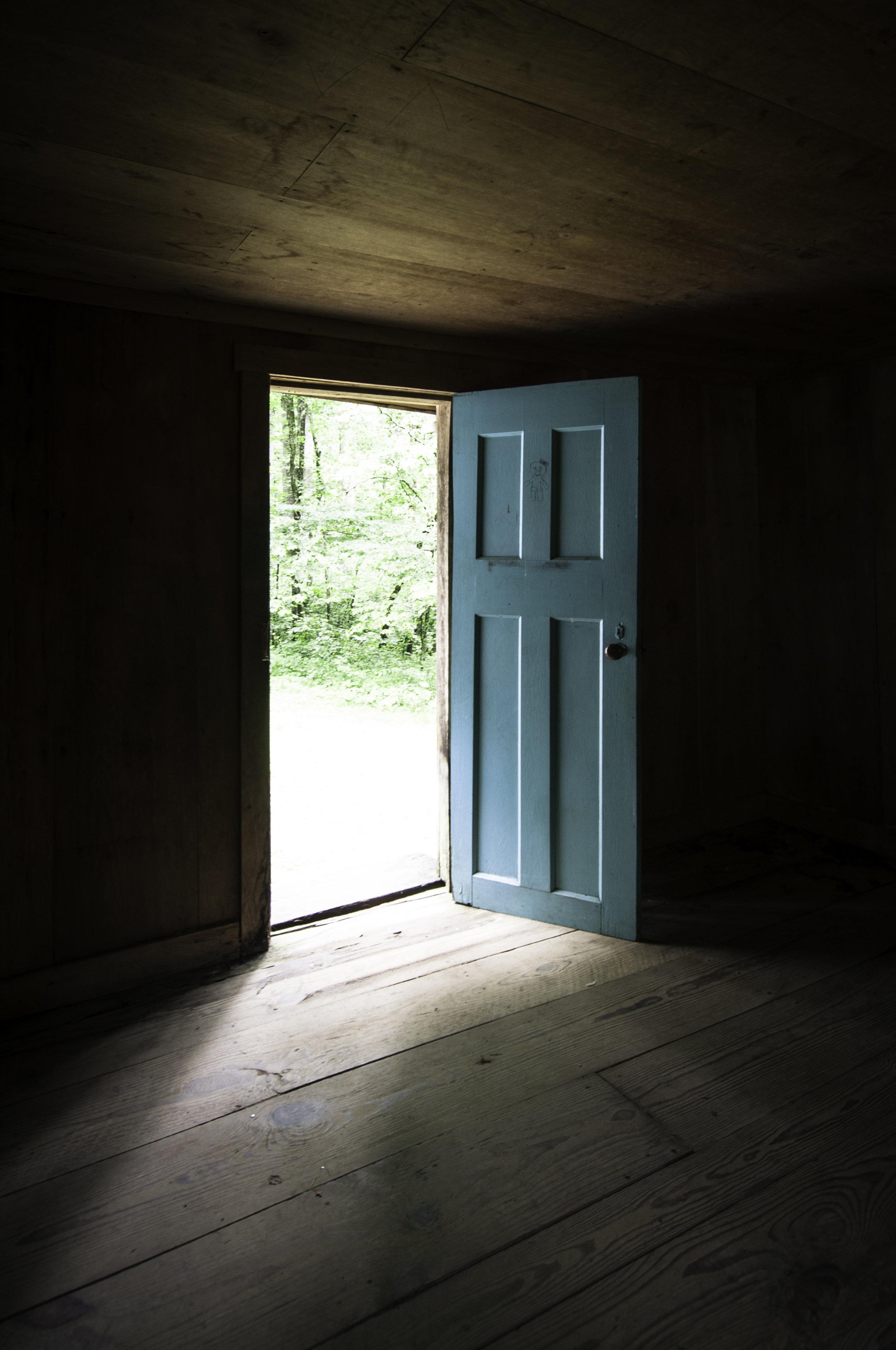 Urban_door_002.jpg