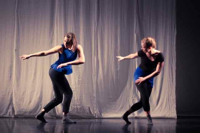 Mirror_Grad_Dance_photography_2015_-56.jpg