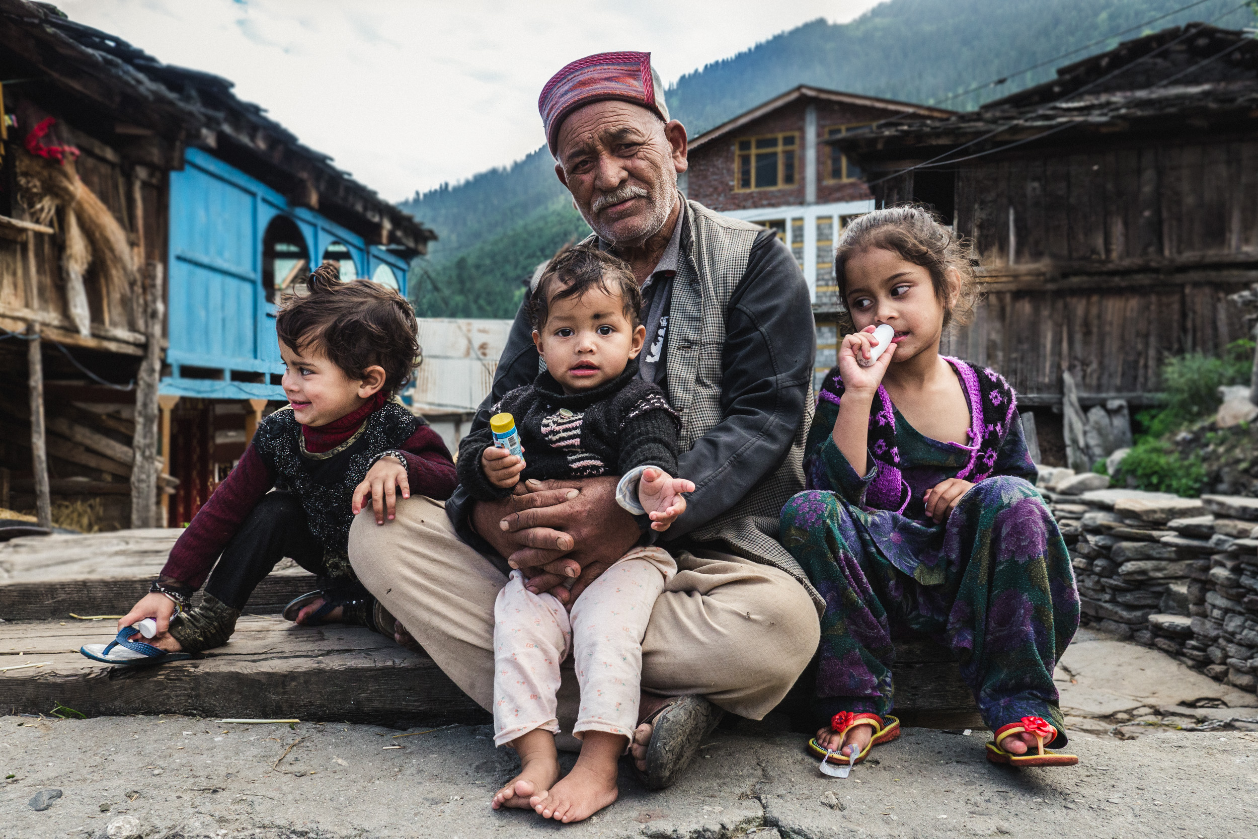 _20 Kids and grandfather Manali India .jpg