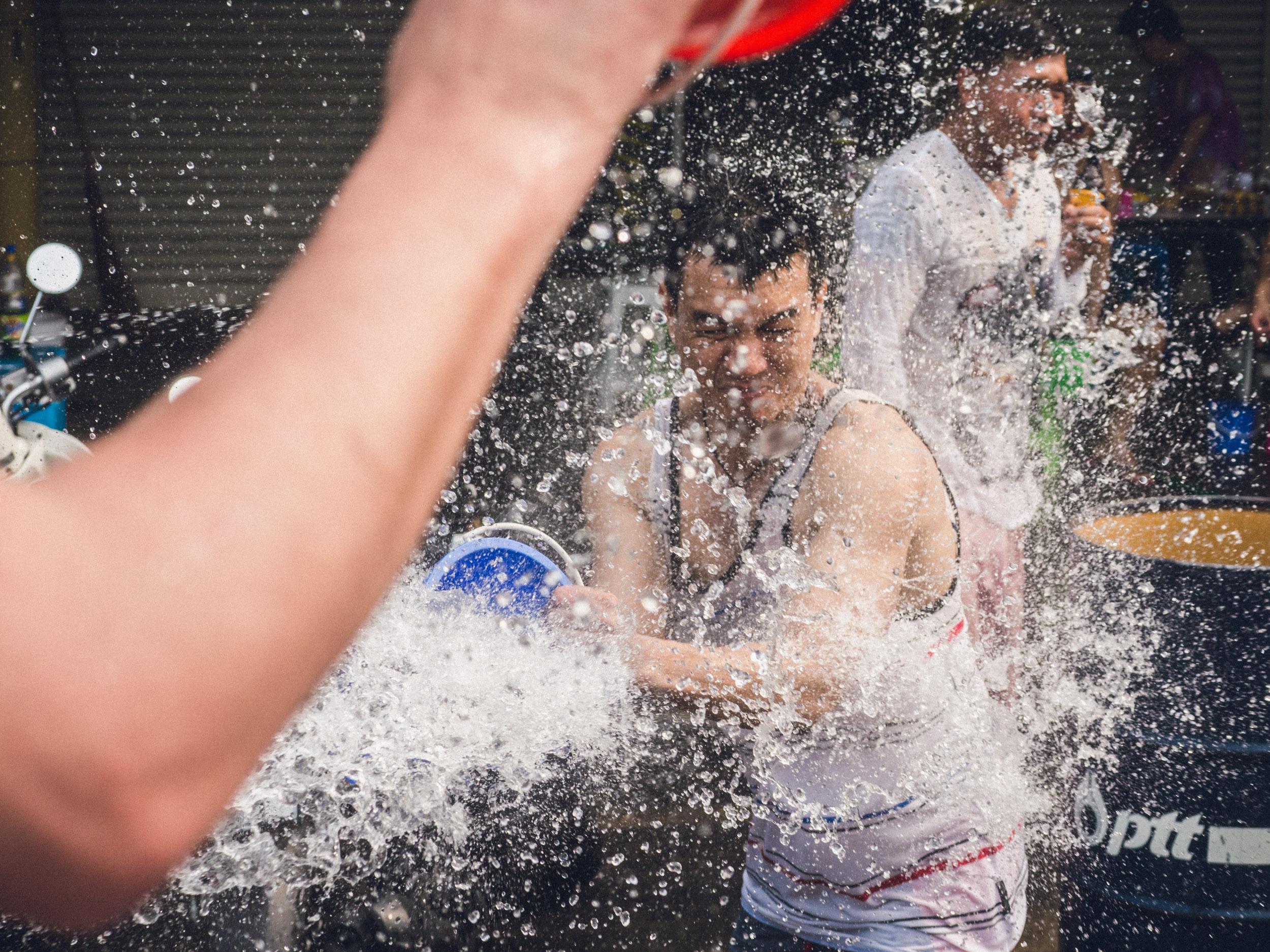 _14 Water splash on man Chang Mai.jpg