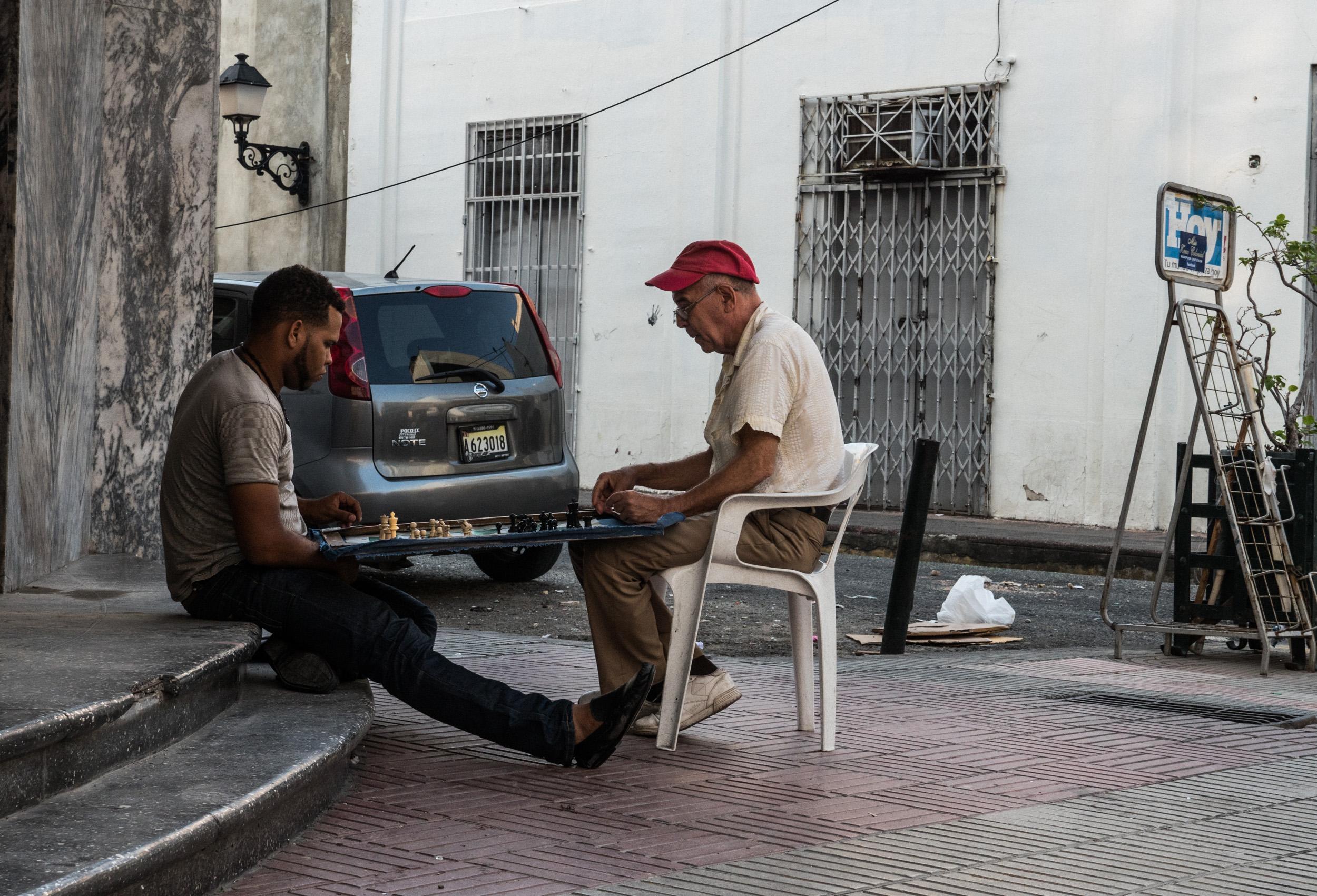 _35 Two men playing Dominos Santo Domingo.jpg