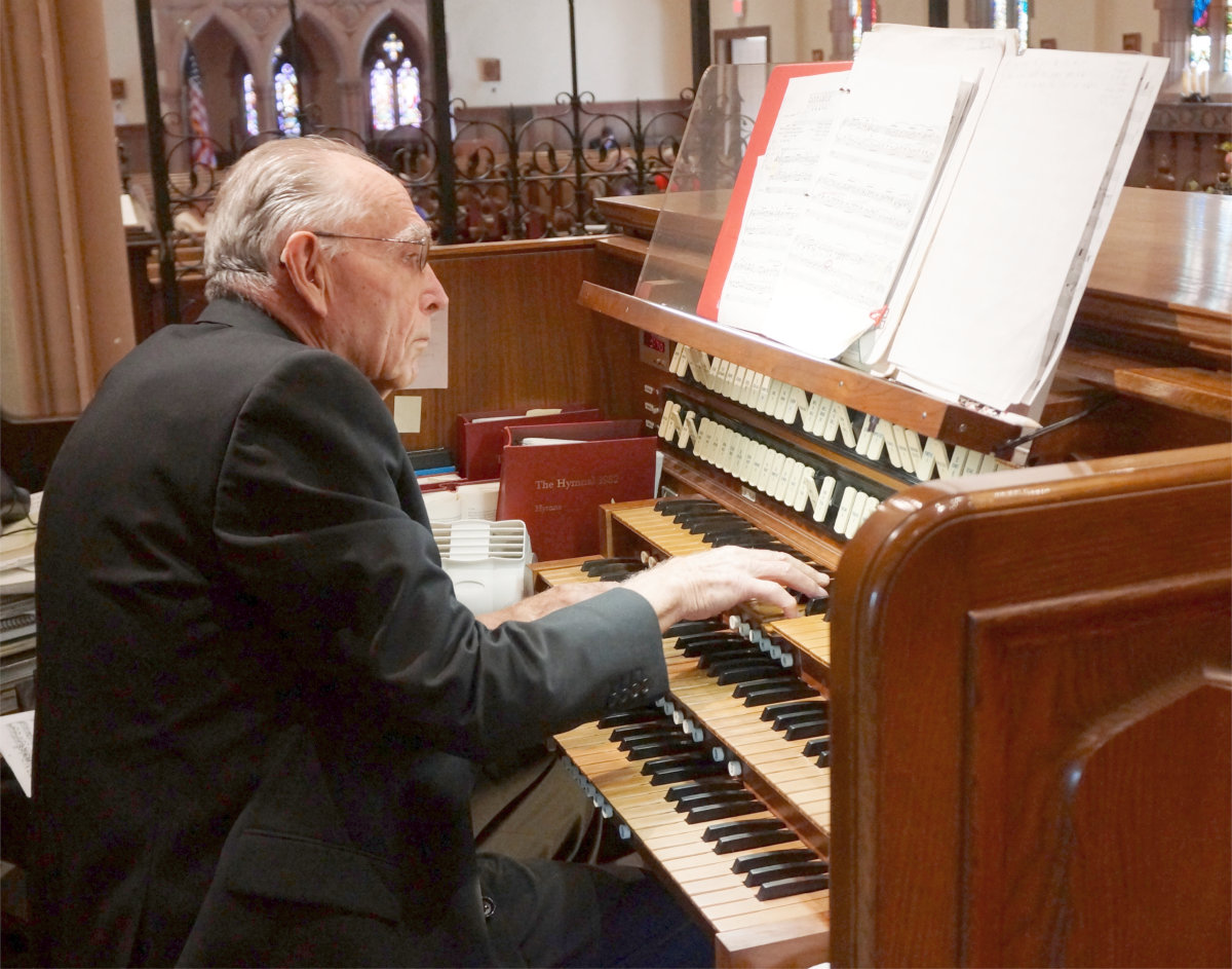 Vernon Greenstreet at the St. Paul's Pipe Organ