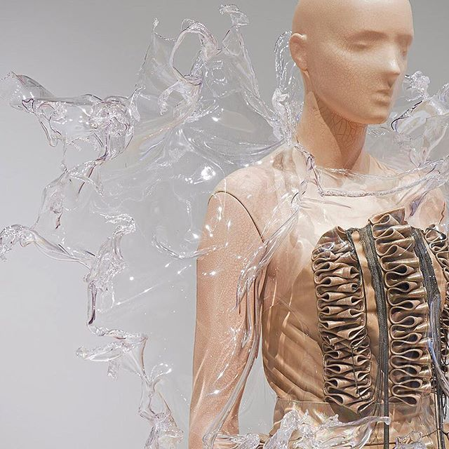 It's the final weekend to experience the #irisvanherpen exhibition #transformingfashion at @phxart!