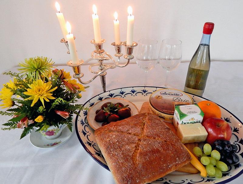 A-Very-Romantic-Getaway-Package-Image-of-fruit-cheese-platter_WEB.jpg