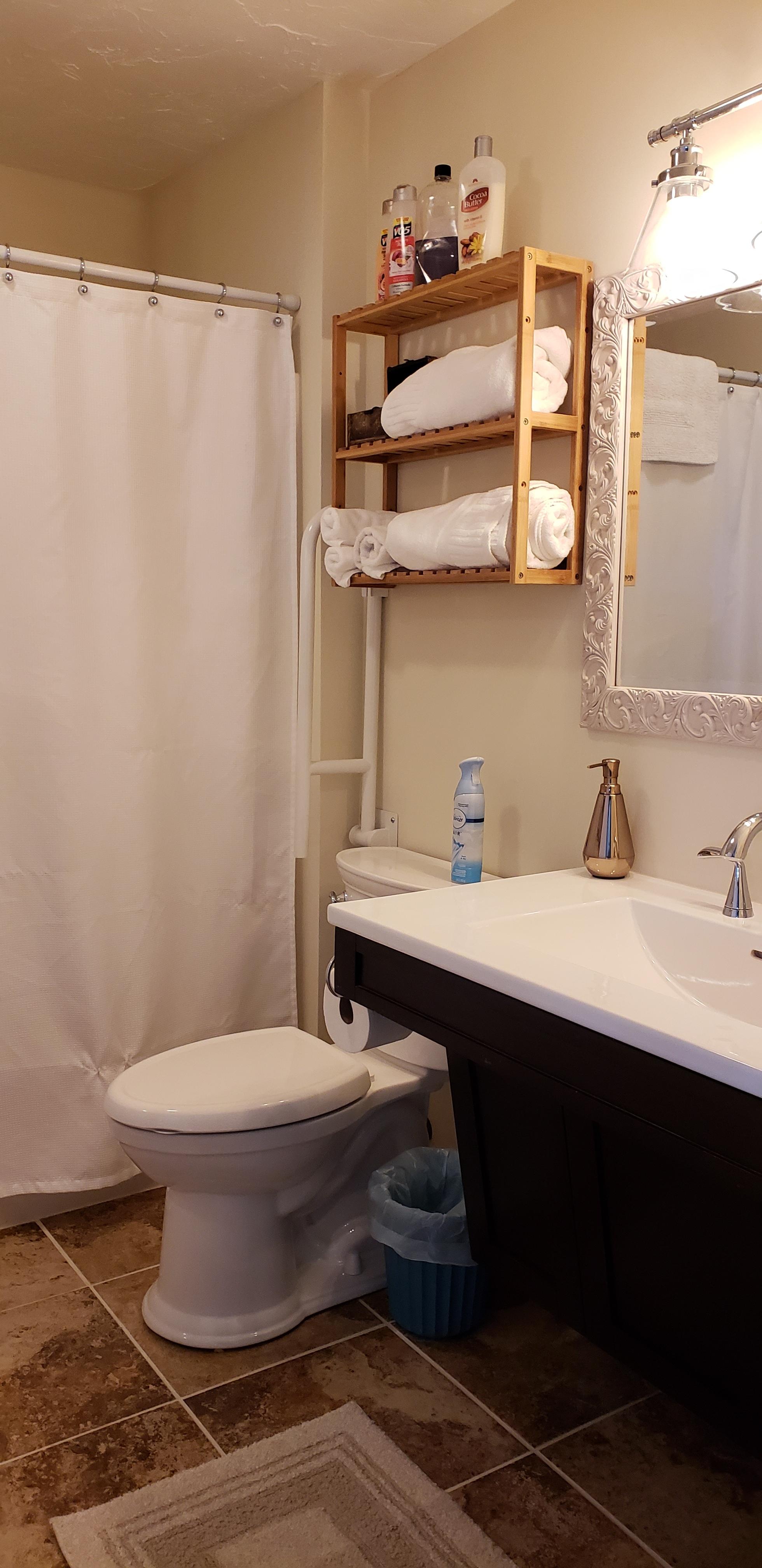 Reilly's Suite Bathroom.jpg