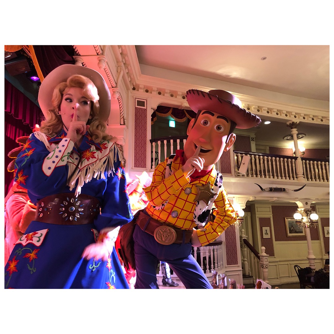 As Slue Foot Sue in  Horseshoe Roundup  at the Diamond Horseshoe in Tokyo Disneyland.
