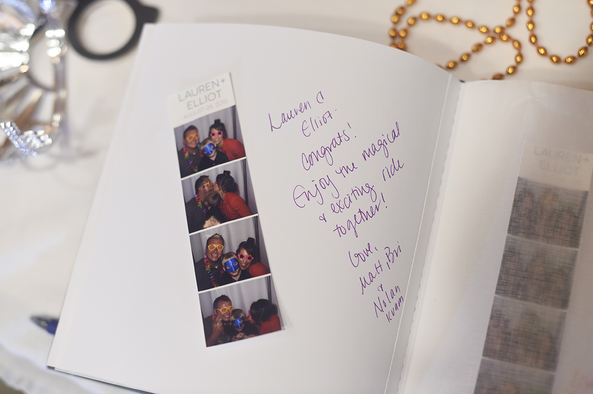 This option includes two copies of the same strip: one for the guest to take home, and one to glue in a guestbook. The bride & groom also get digital copies.