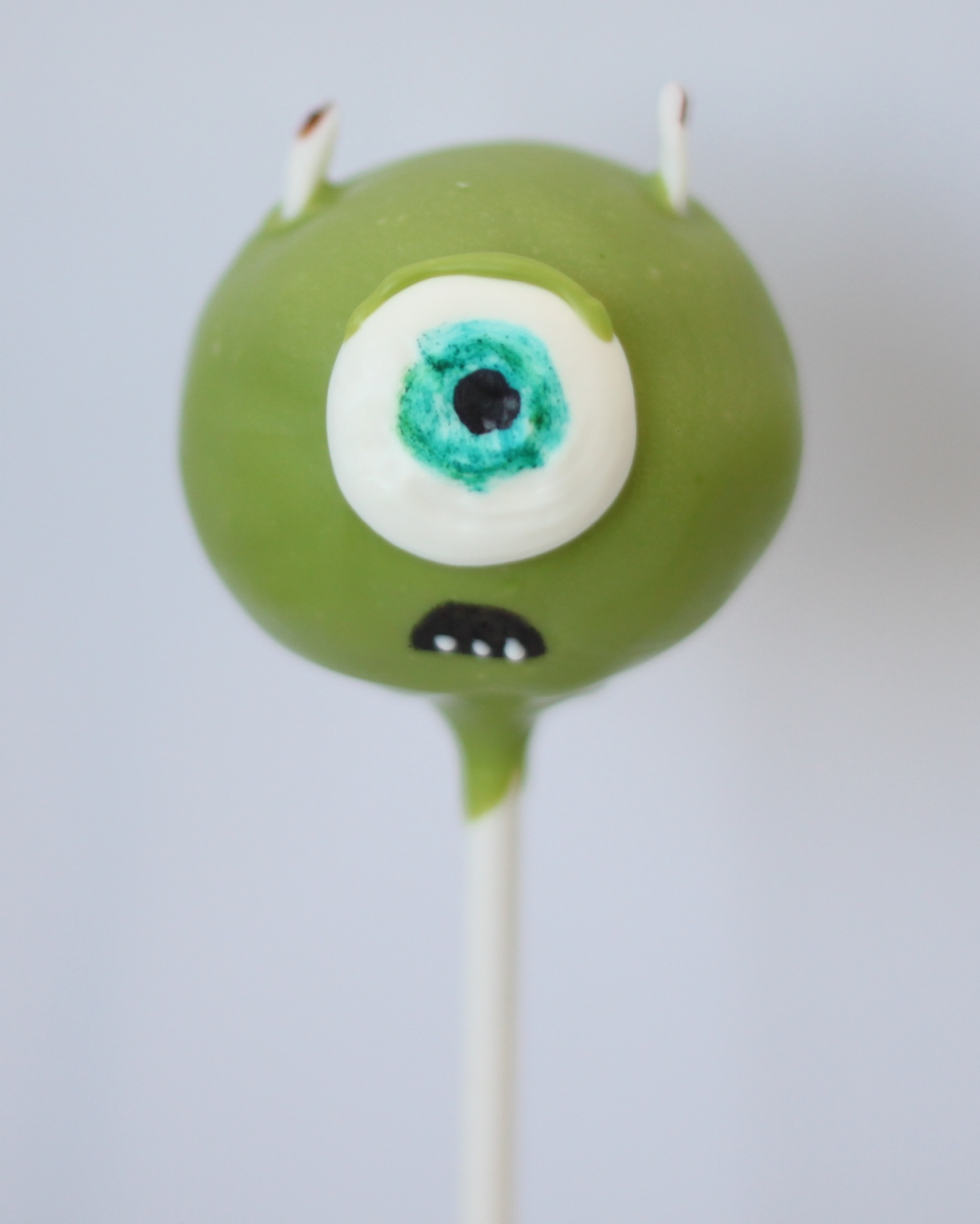 mike monsters inc cake pop v1.jpg