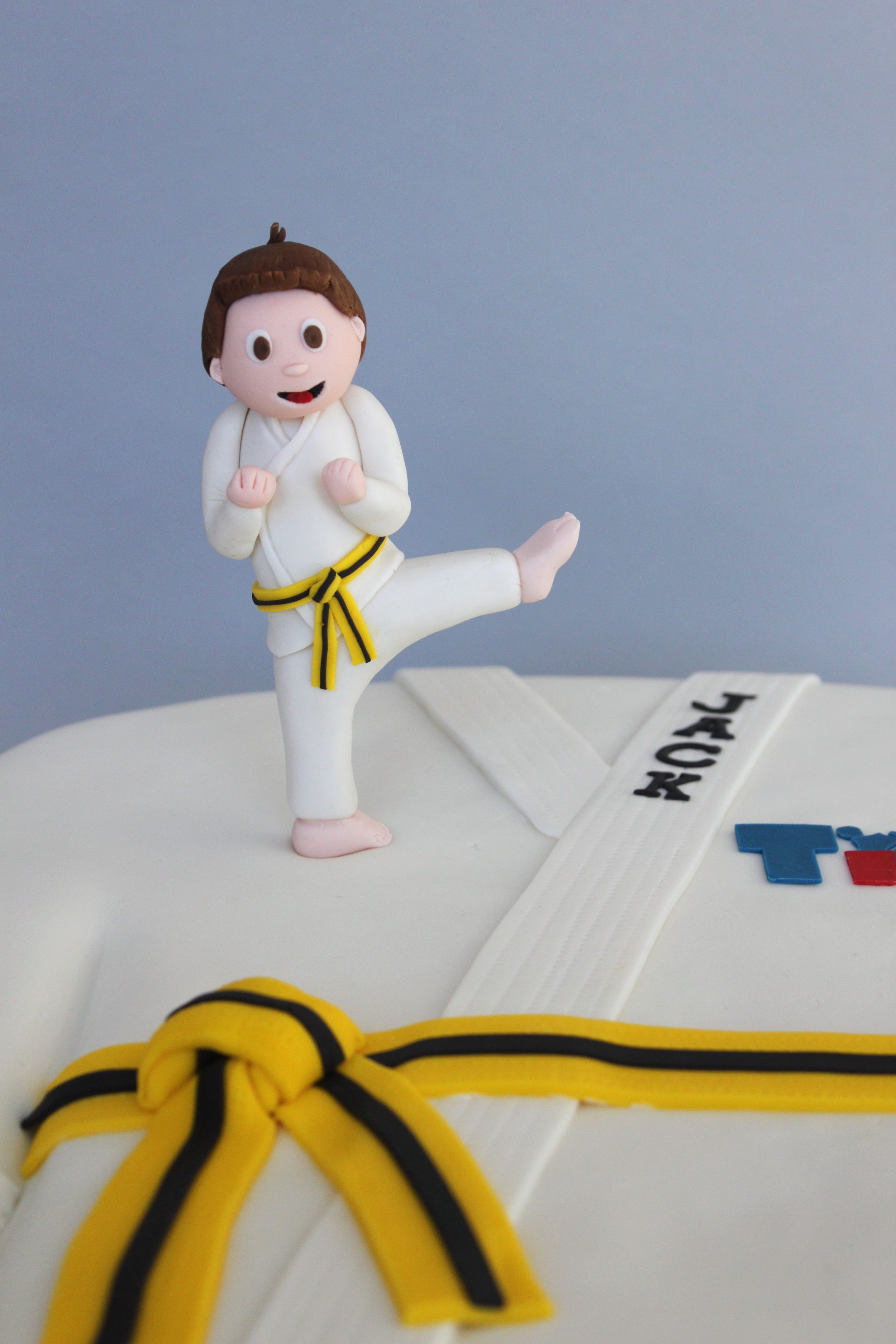 Tae kwon do cake topper 7628.jpg