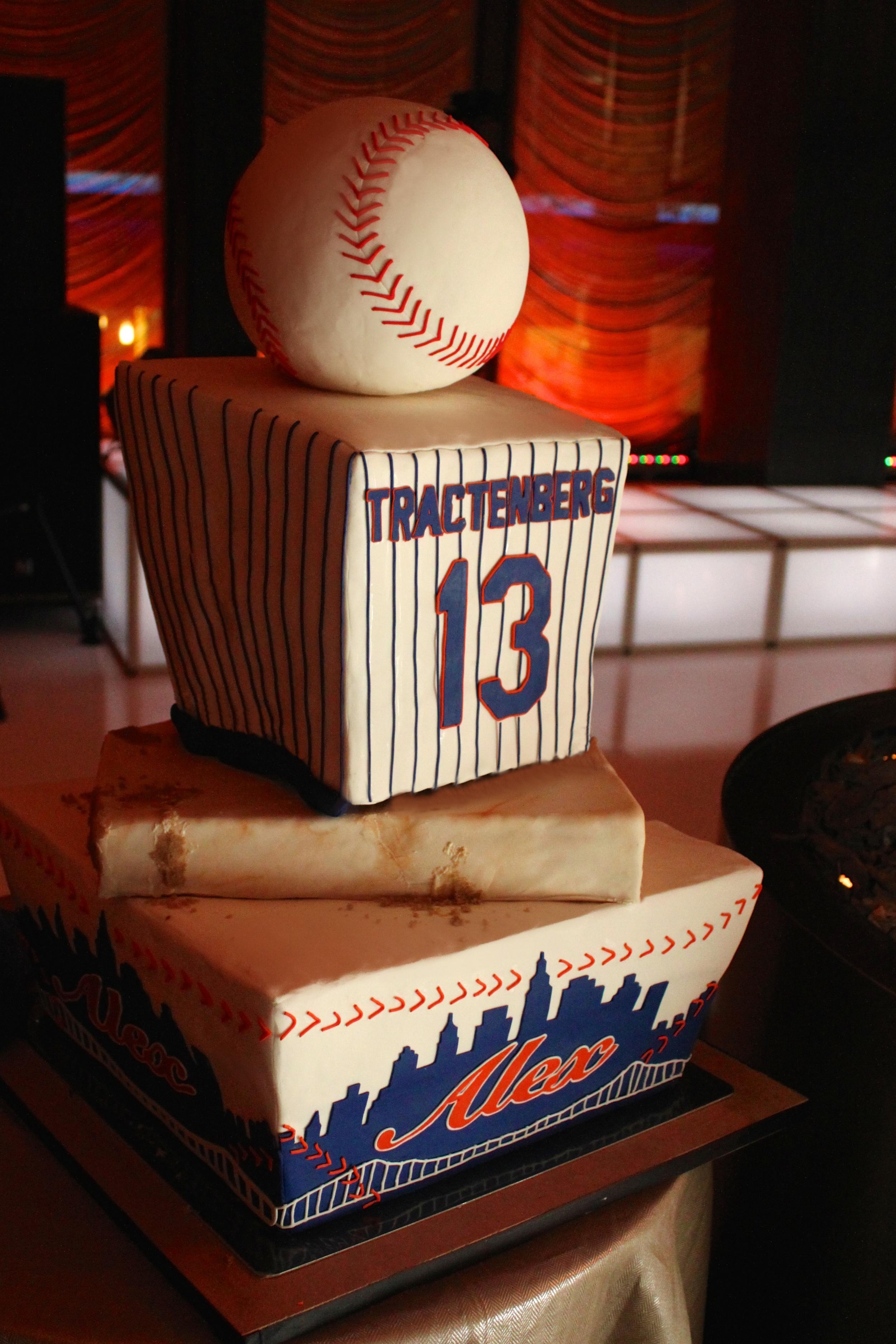Mets Baseball Celebration Back 7784.jpg
