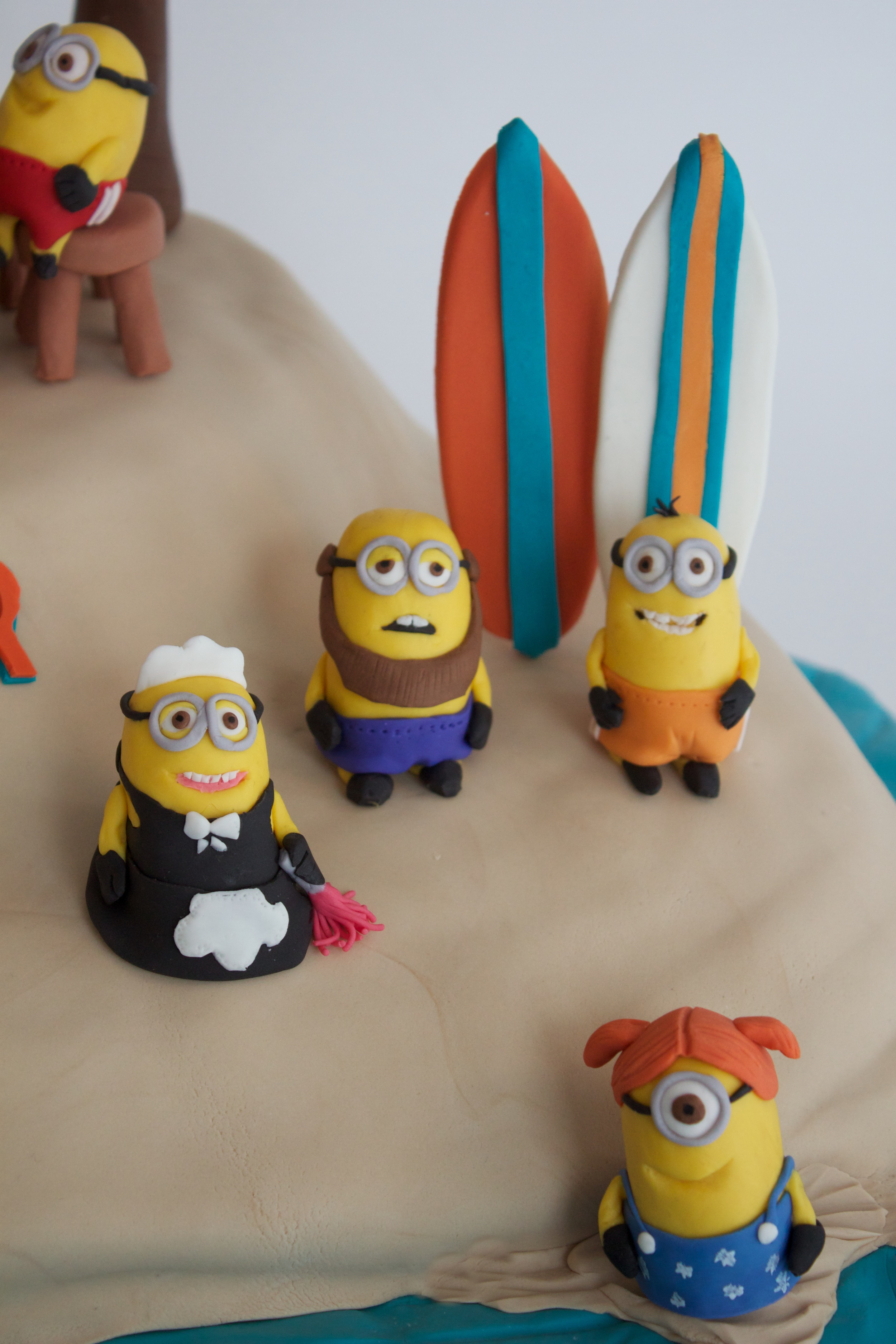 Minion cake close 8035.jpg