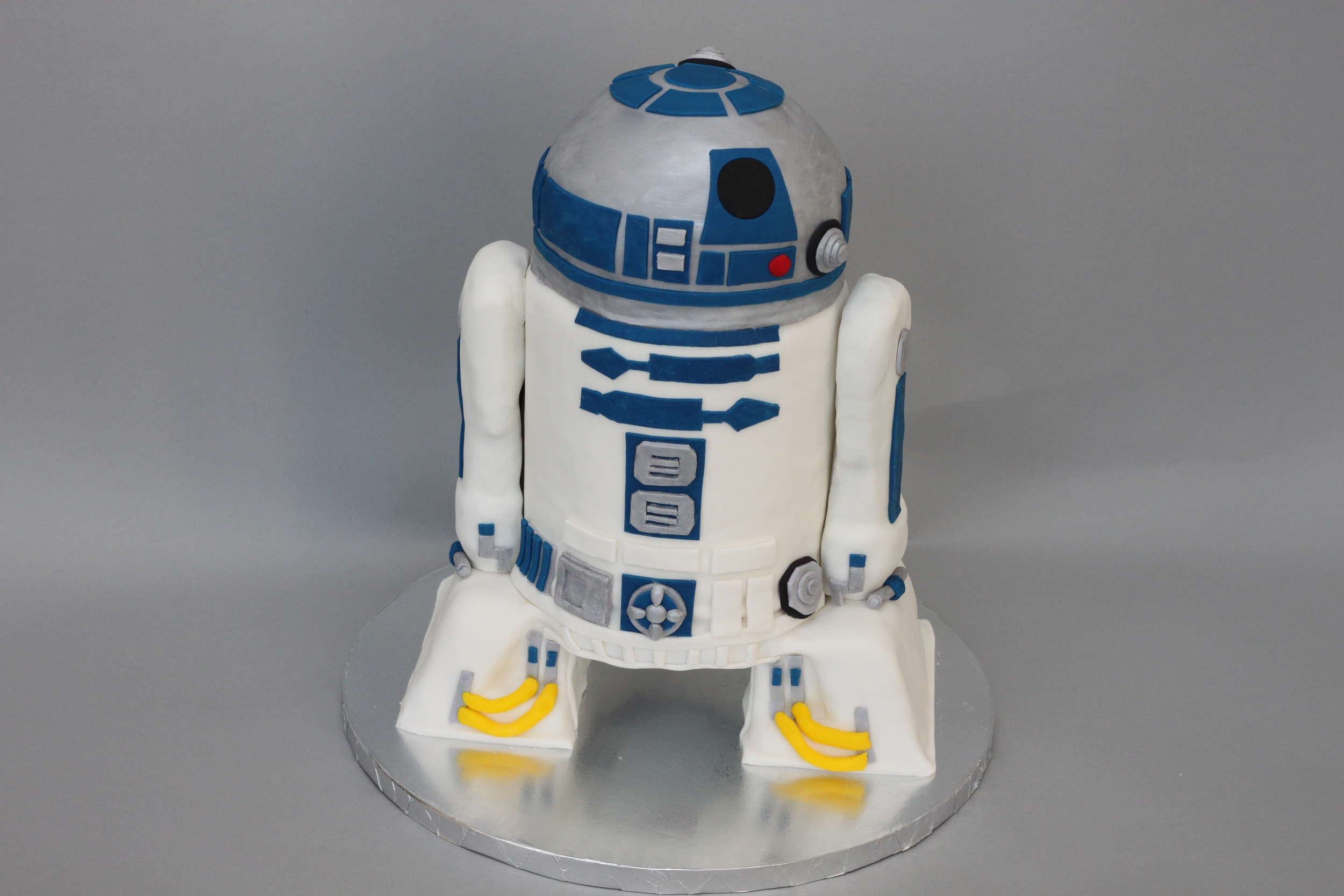 R2D2 Sculpted wide 6921.jpg